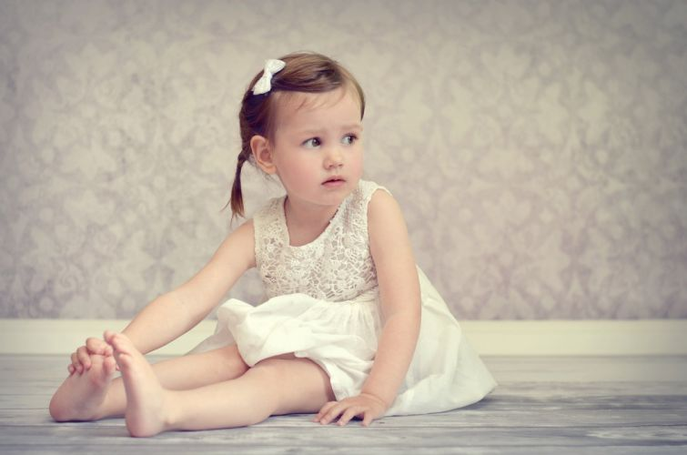 mood girl dress baby on the floor sitting barefoot wallpaper