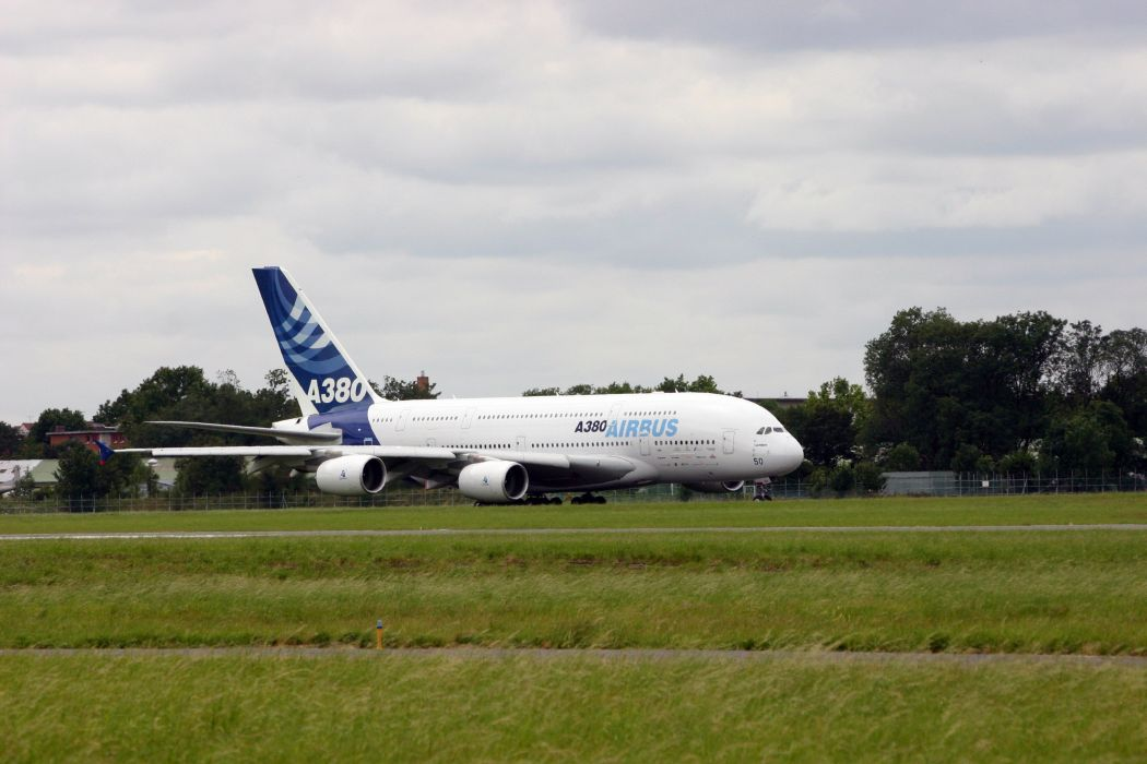 AIRBUS A380 airliner plane airplane transport (71) wallpaper