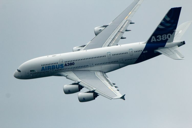 AIRBUS A380 airliner plane airplane transport (78) wallpaper