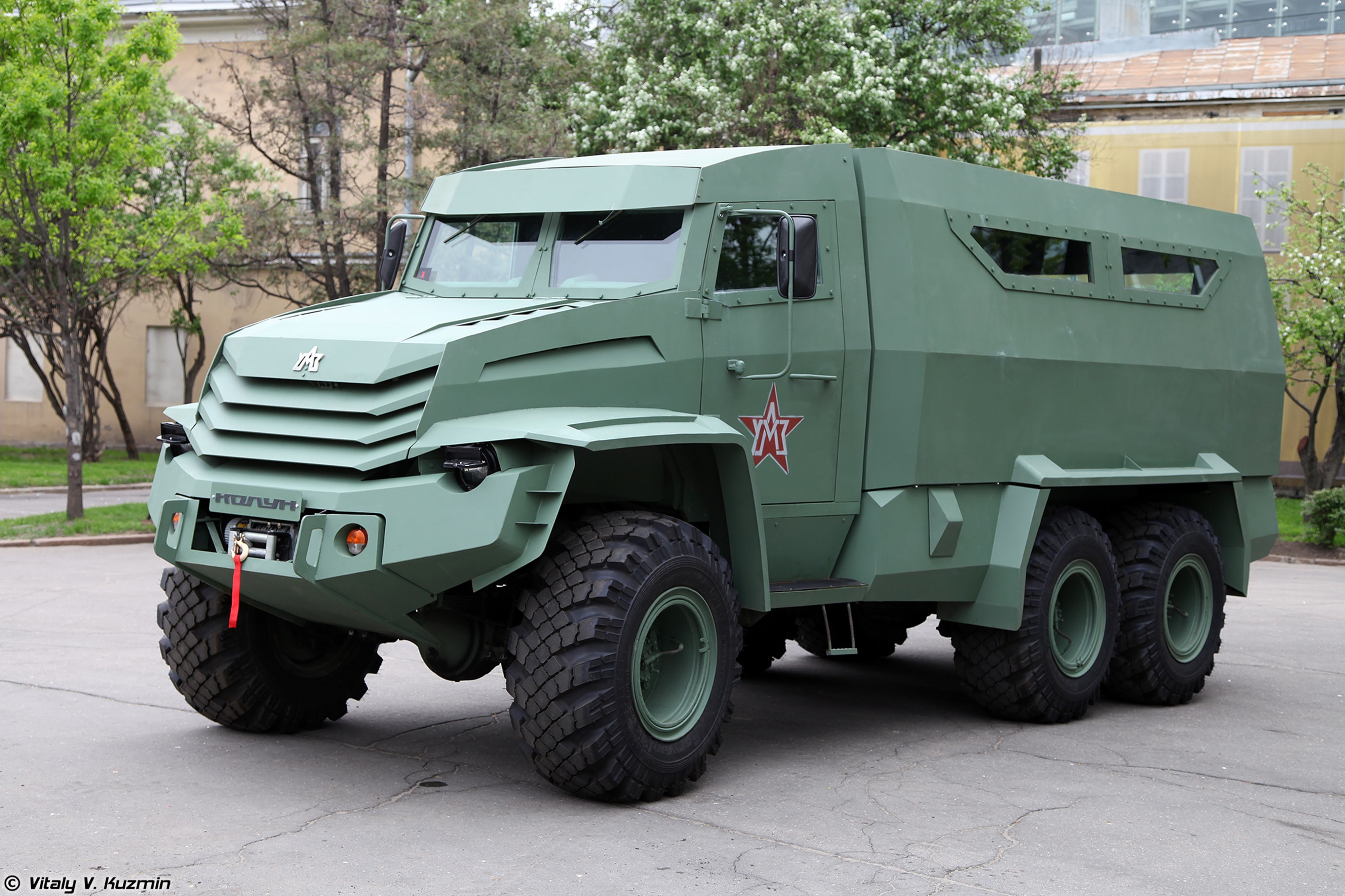 Russian red star Russia army military Kolun 6x6 armored ...