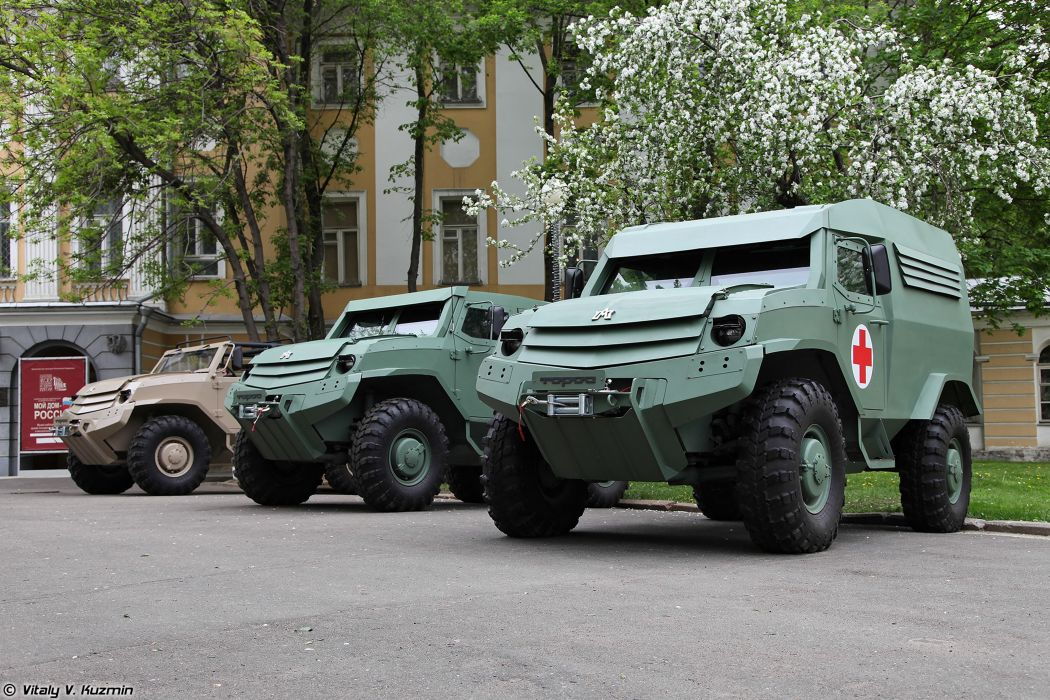 russian red star Russia army military 4x4 Toros armored vehicles commander basic and medic variants 4000x2667 4000x2667 wallpaper