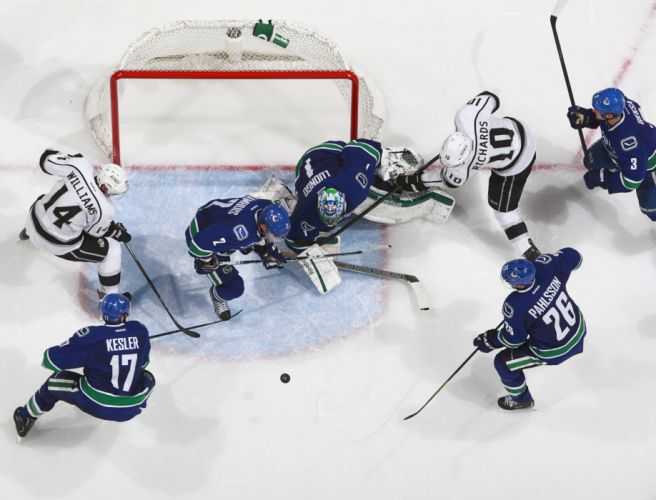 VANCOUVER CANUCKS nhl hockey (27) wallpaper