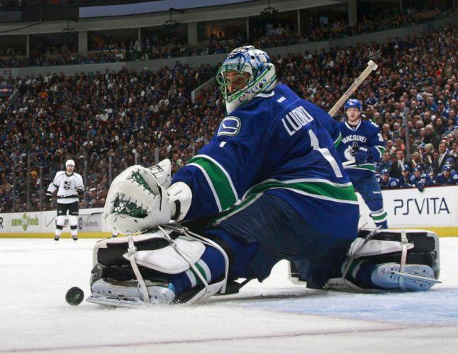 VANCOUVER CANUCKS nhl hockey (36) wallpaper