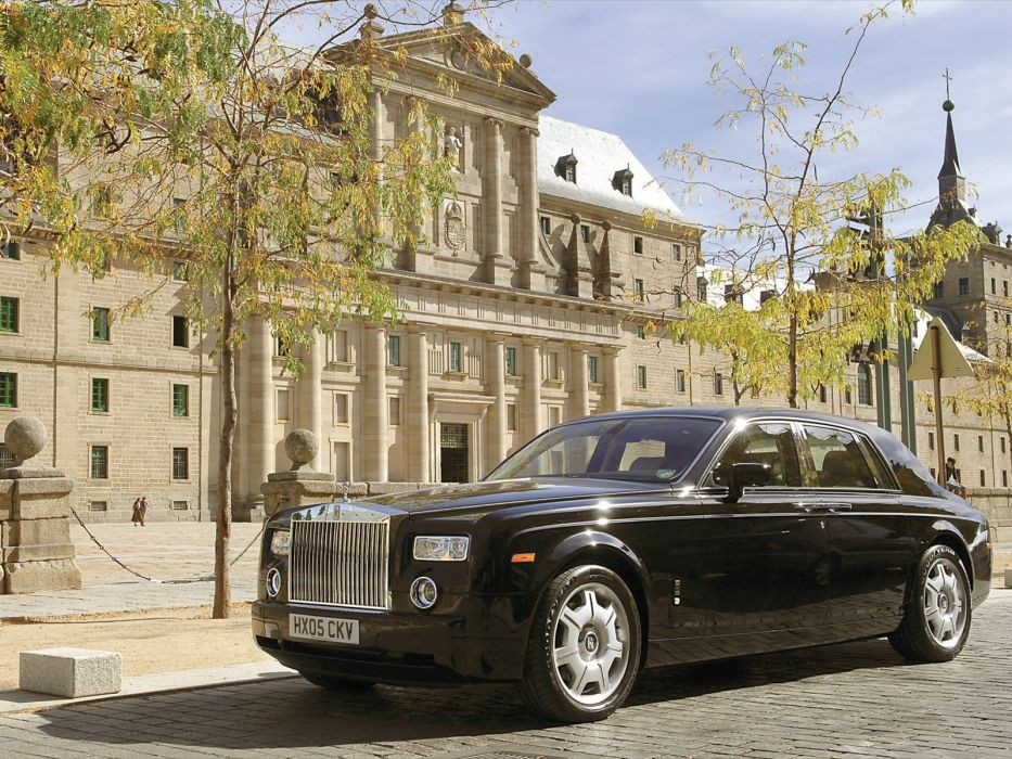 Rolls Royce Phantom in Madrid 2005 wallpaper