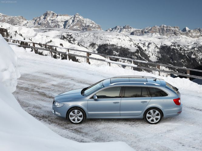 Skoda Superb Combi 4x4 2010 wallpaper