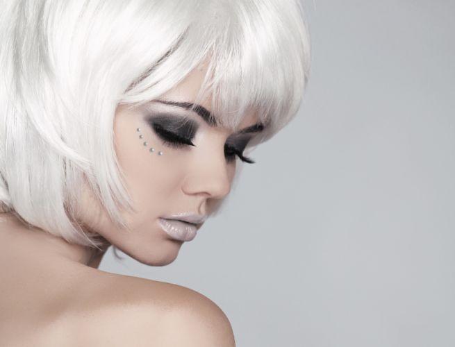 blonde beauty makeup girl model wallpaper