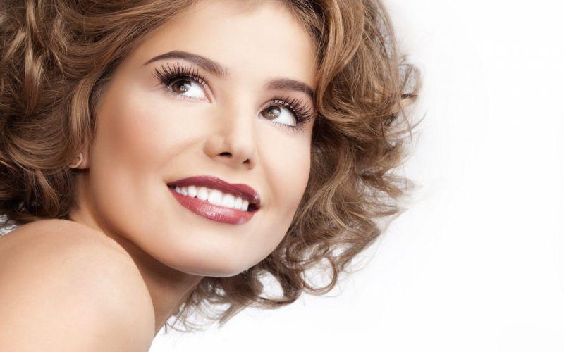 girl model smile wallpaper