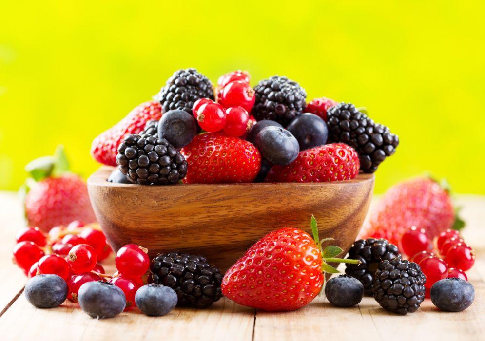 berries strawberries blackberries blueberries currants cup fresh berries strawberry wallpaper
