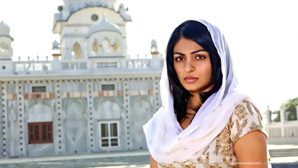 NEERU BAJWA bollywood actress model babe (3) wallpaper