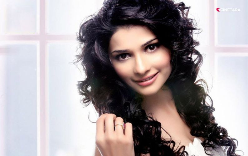 PRACHI DESAI bollywood actress model babe (15) wallpaper