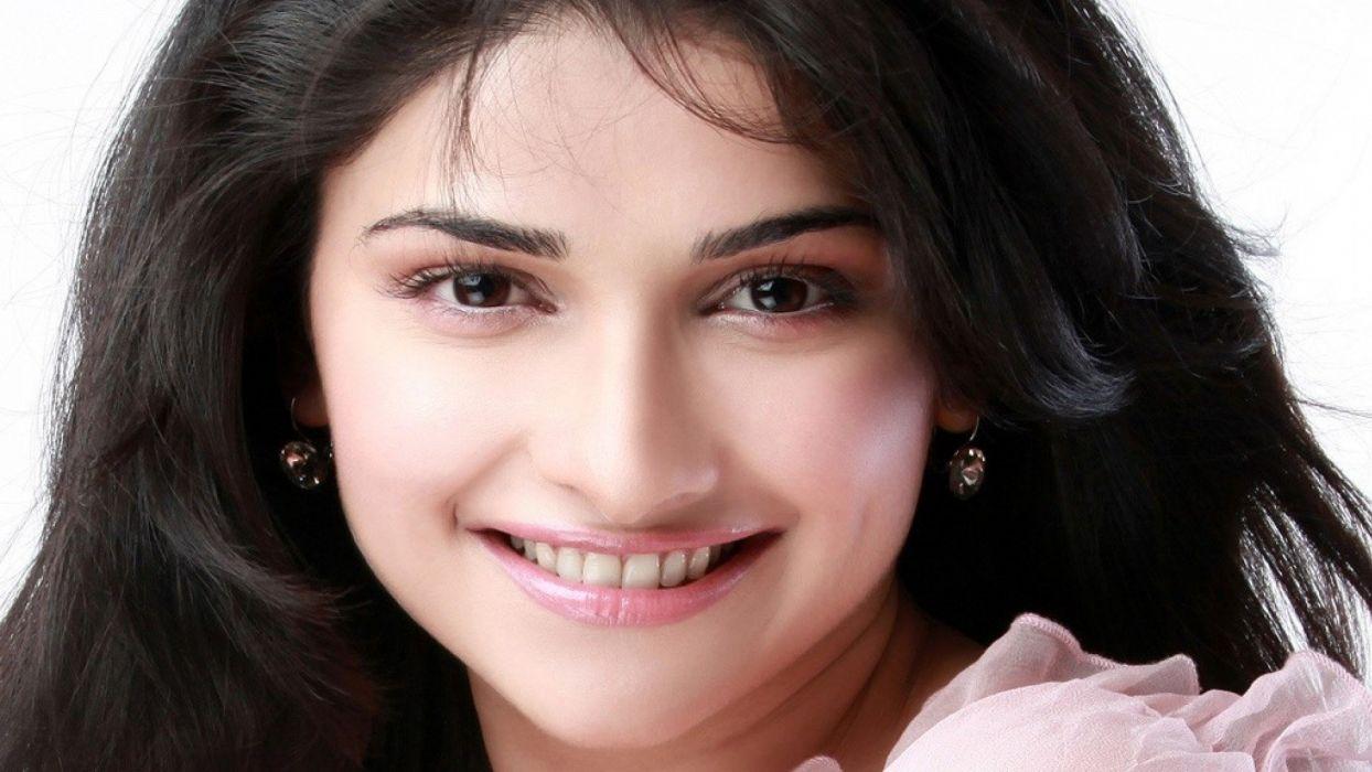 PRACHI DESAI bollywood actress model babe (28) wallpaper