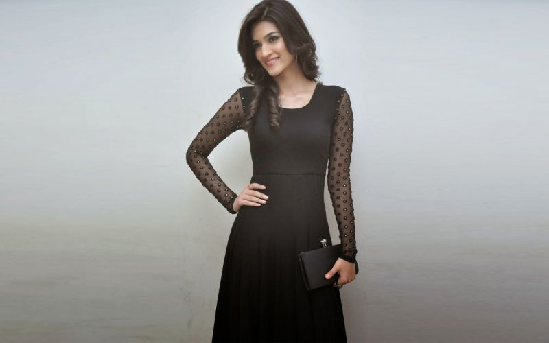 KRITI SANON bollywood actress model babe (19) wallpaper