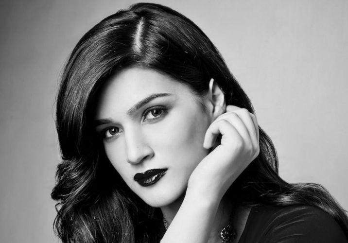 KRITI SANON bollywood actress model babe (37) wallpaper
