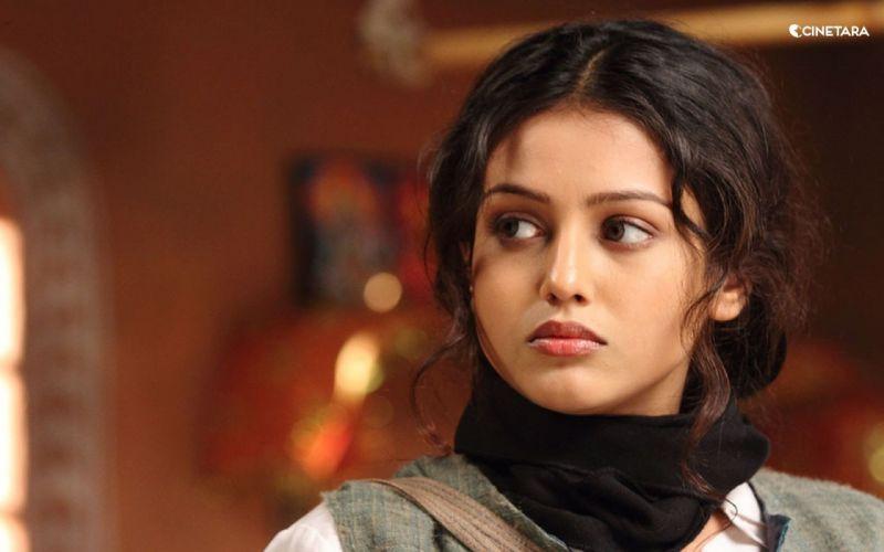 MISHTI bollywood actress model babe (2) wallpaper