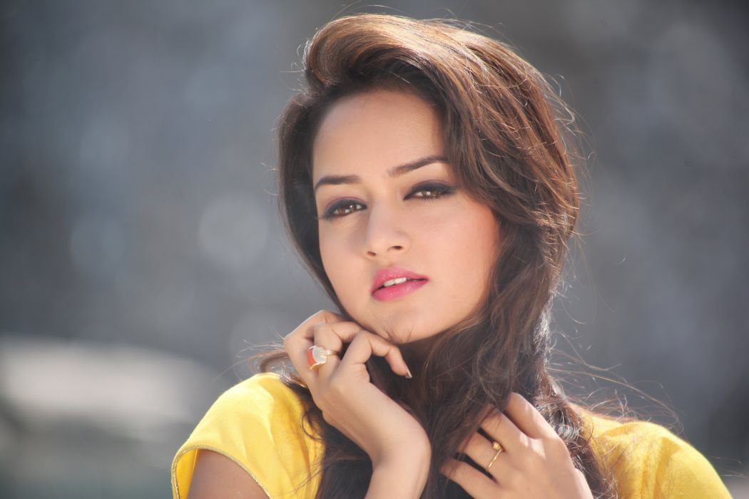Shanvi wallpaper