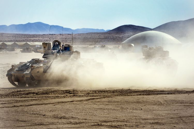 BRADLEY FIGHTING VEHICLE (bfv) apc tank tanks transport weapon military (10) wallpaper