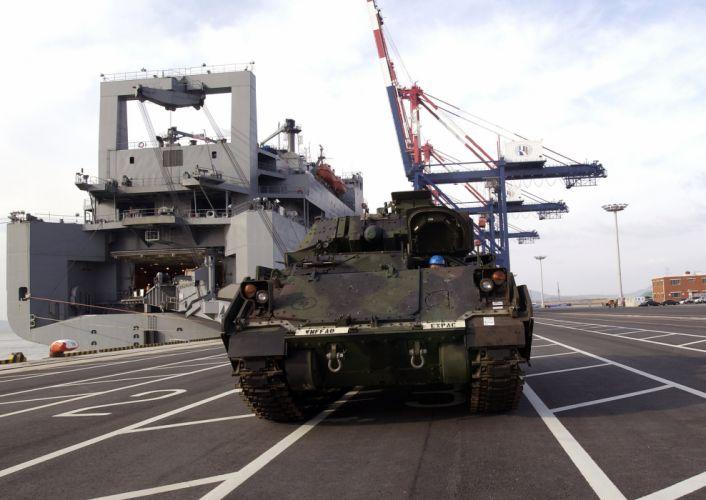 BRADLEY FIGHTING VEHICLE (bfv) apc tank tanks transport weapon military (11) wallpaper