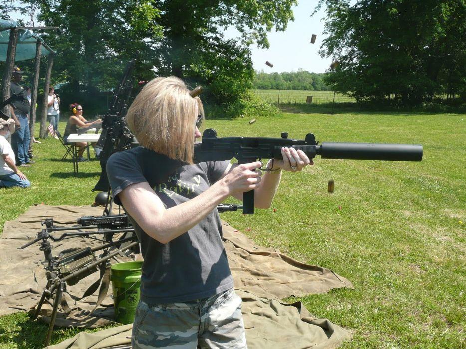 UZI machine gun weapon military police assault pistol (15) wallpaper