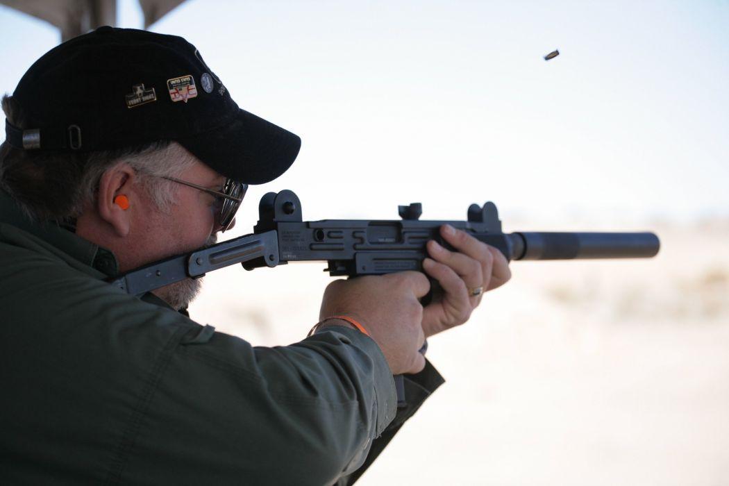 UZI machine gun weapon military police assault pistol (37) wallpaper