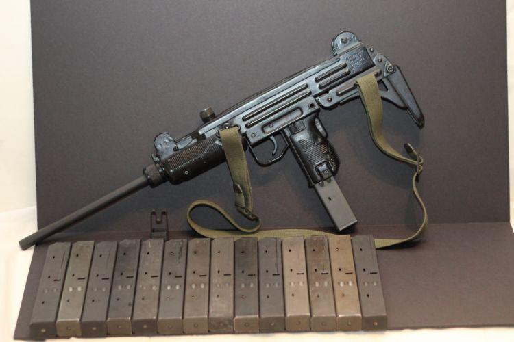 UZI machine gun weapon military police assault pistol (38) wallpaper