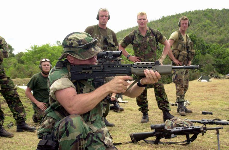 assault rifle weapon gun military (1)_JPEG wallpaper