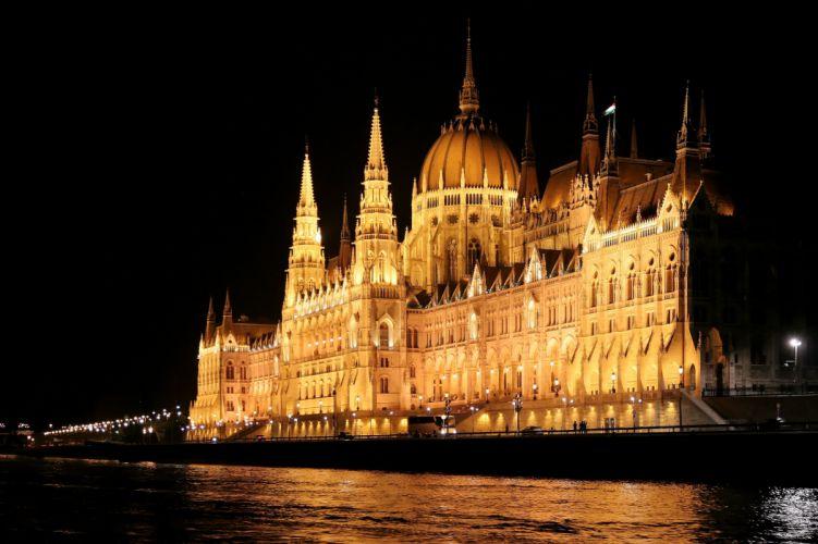 Budapest_night_river_Danube_Parliament wallpaper