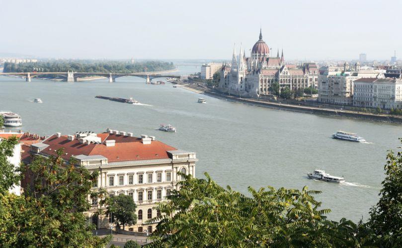 Budapest_Parliament_river_Danube wallpaper