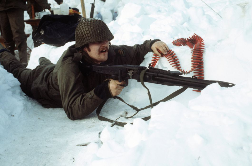 MG3 machine gun weapon military (1) wallpaper
