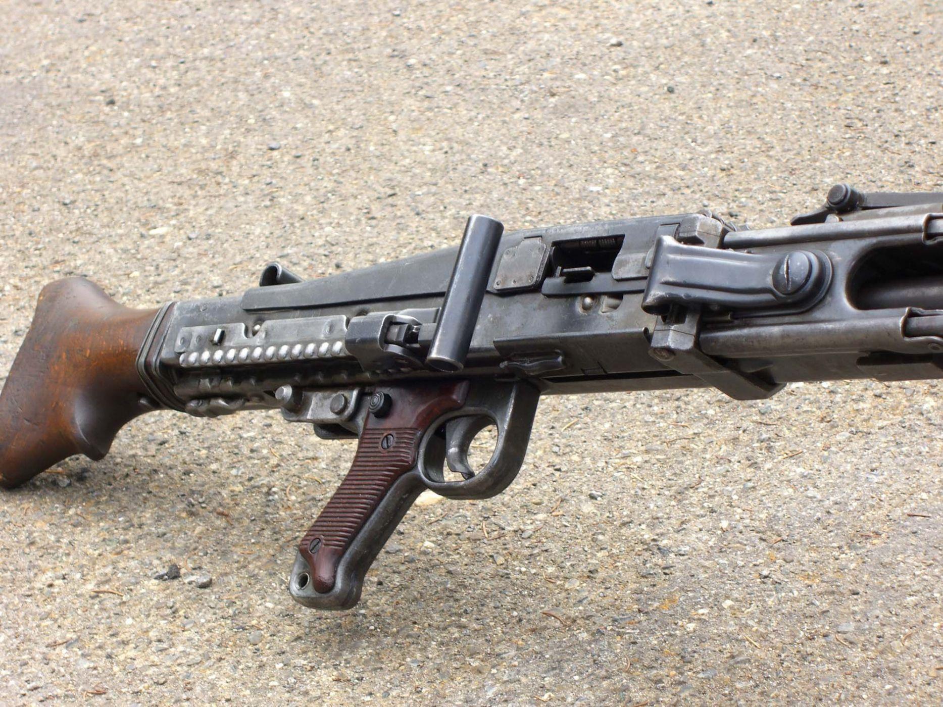 смотреть стрелковое оружие второй мировой войны видео ваш