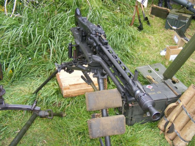 MG42 machine gun weapon military germany ww2 wwll (11)_JPG wallpaper