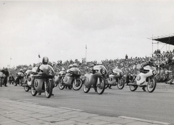 MOTOGP Championship Grand Prix superbike race racing moto le-mans (199) wallpaper