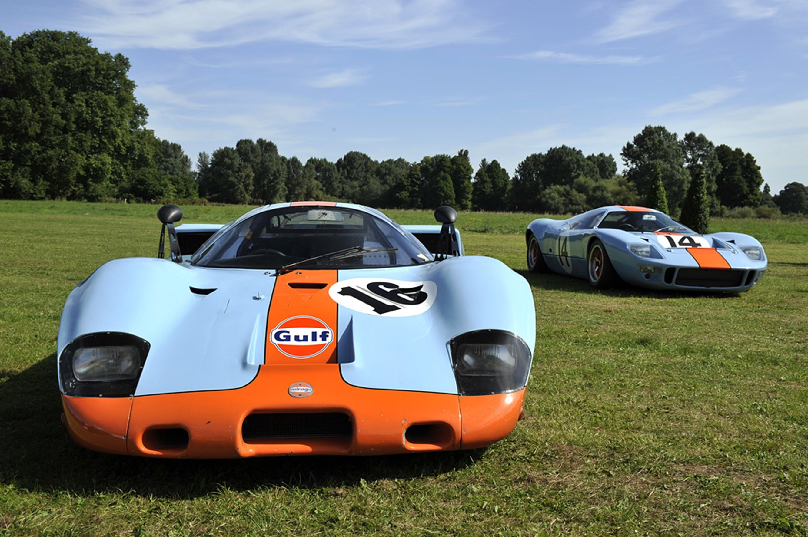 Race Car Classic Vehicle Racing Mirage Ford GT-40 Gulf Le-Mans LMP1 ...