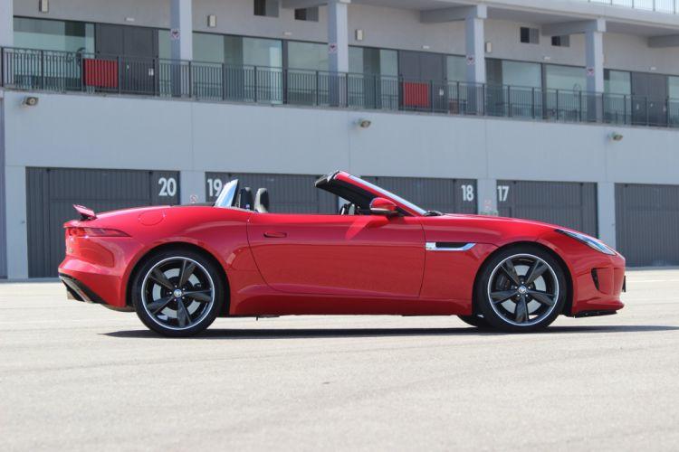 2013-Jaguar-F-Type wallpaper