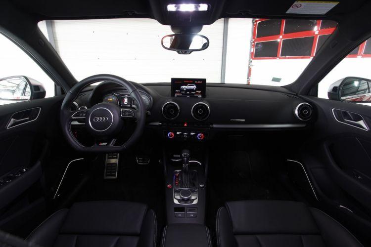 2014-Audi-S3-Sportback wallpaper