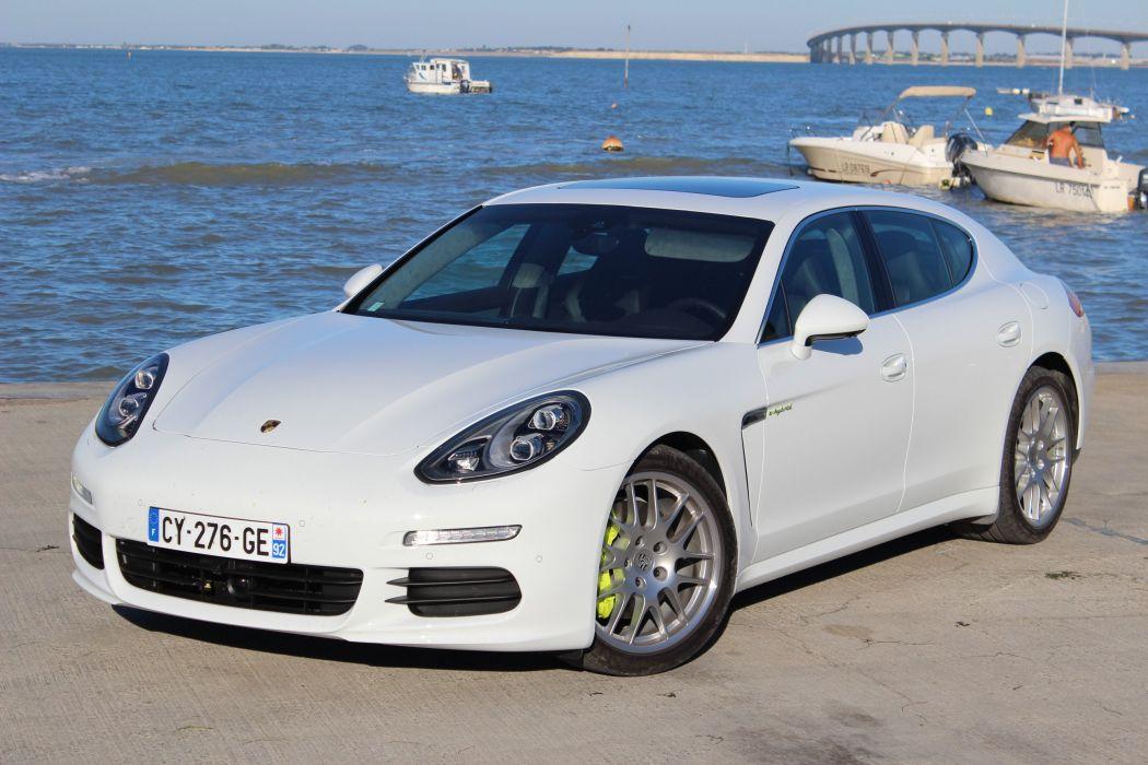 Porsche-Panamera-S-hybrid-2013 wallpaper