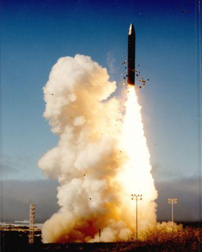 Peacekeeper ICBM misile wepons nuclear wallpaper