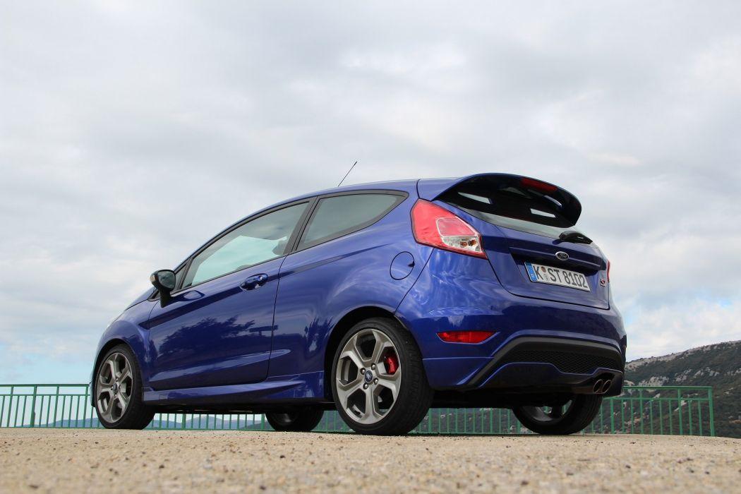 Ford-Fiesta-ST-2013 wallpaper