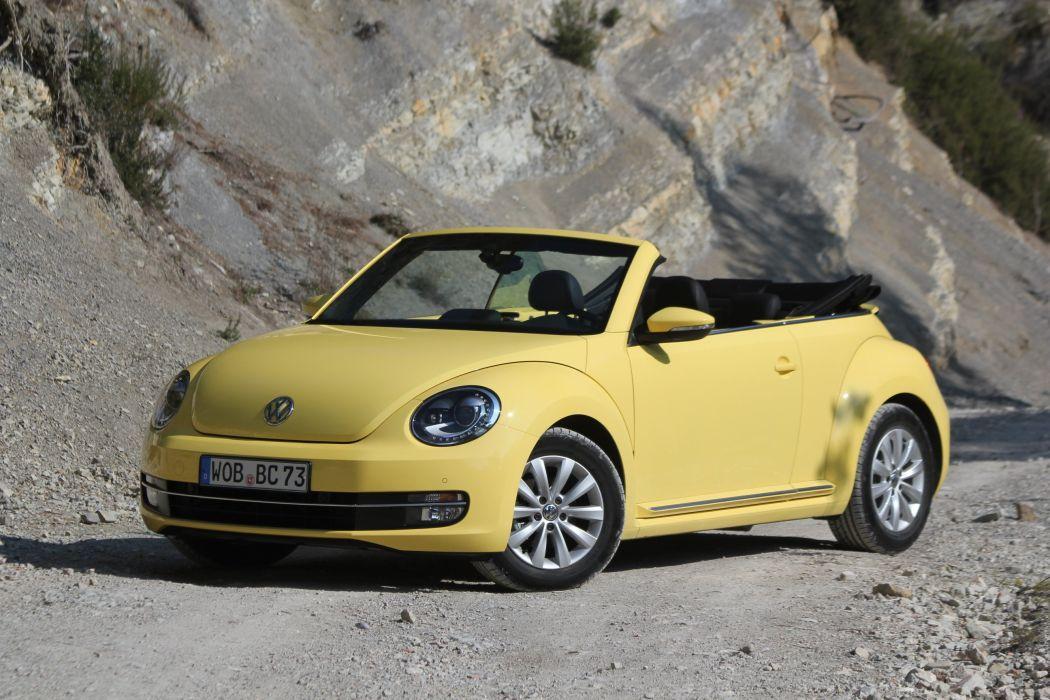 Volkswagen-Coccinelle-Cabriolet-2013 wallpaper