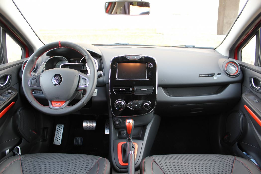 Renault-Clio-4-R-S wallpaper