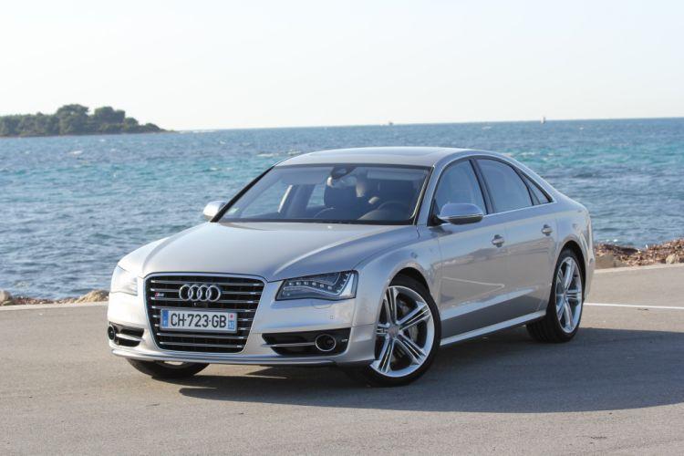Audi-S8-2013 wallpaper