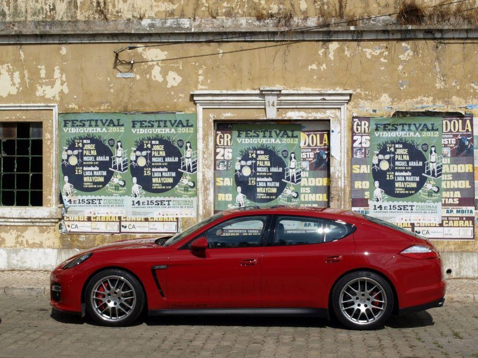 Porsche-Panamera-GTS-2013 wallpaper