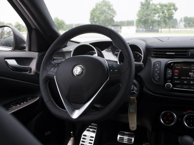 2014 Alfa Romeo Giulietta Quadrifoglio Verde Launch (940) interior v wallpaper