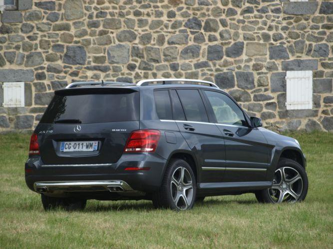 Mercedes-GLK-2012 wallpaper