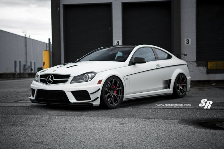 Mercedes-C63AMG-Black-Series wallpaper