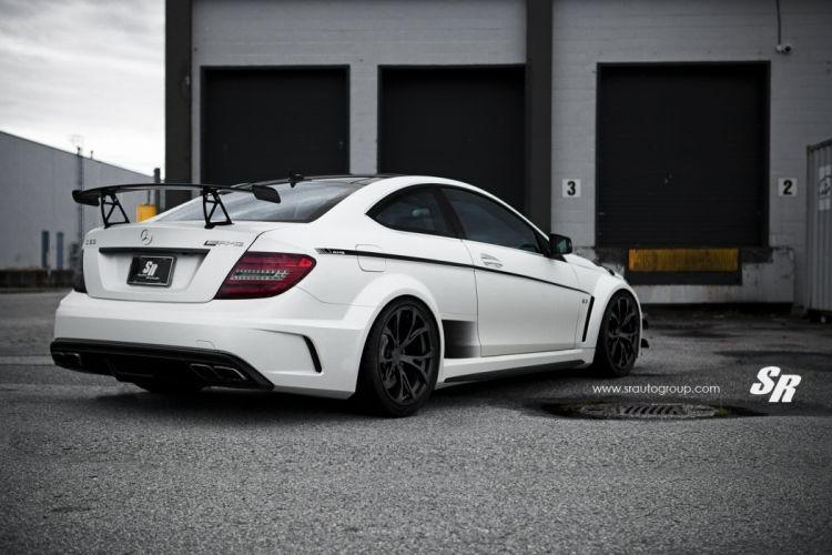 Mercedes-C63AMG-Black-Series wallpaper