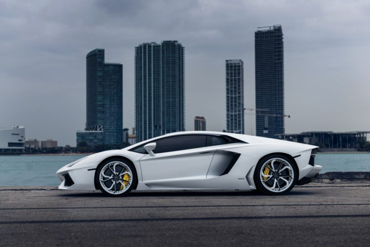 Vellano MC Customs Lamborghini Aventador wallpaper