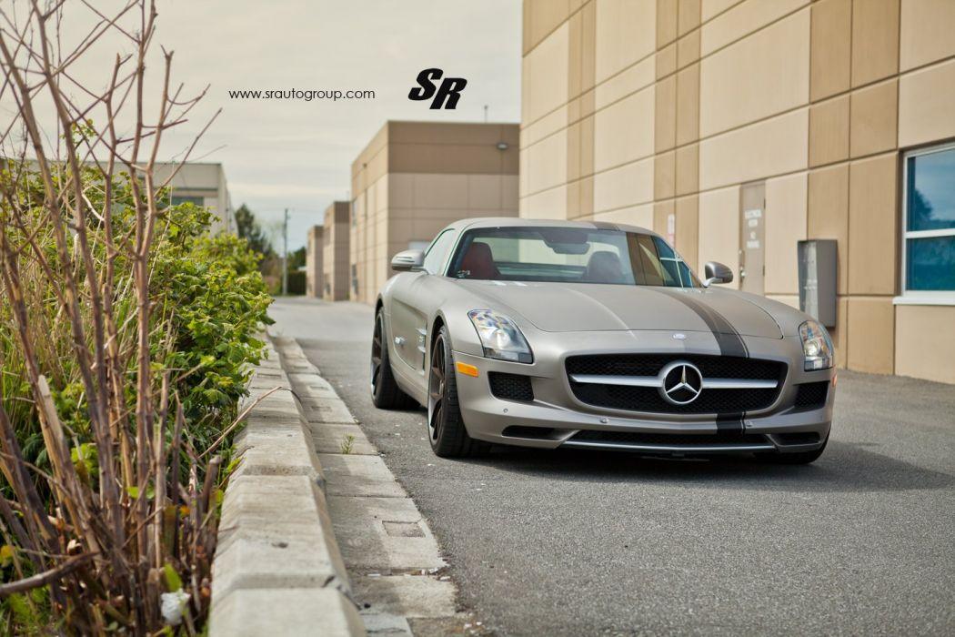 Mercedes-SLS wallpaper