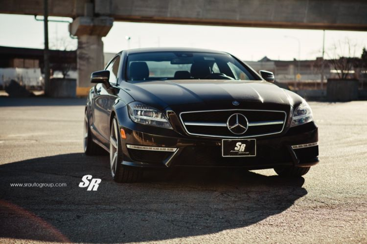 Mercedes-CLS-63-AMG wallpaper