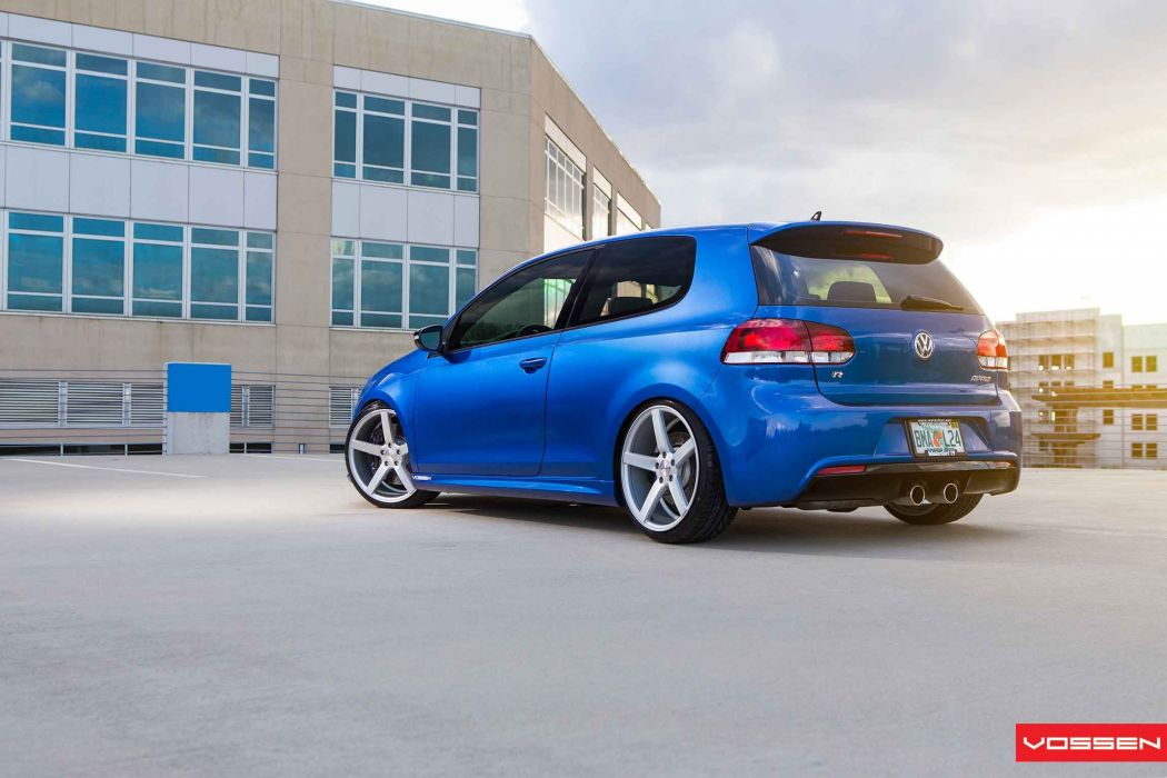 VW-Golf-R wallpaper