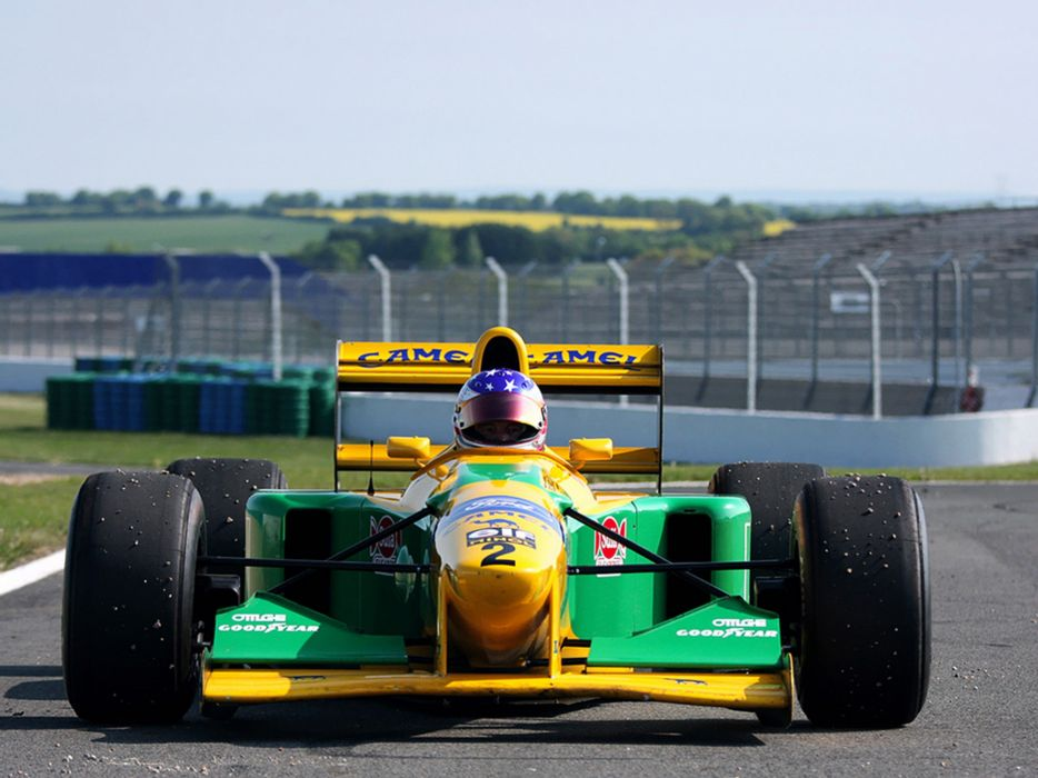 Benetton B193B 1993 Race Car Racing Vehicle Supercar Formula-1 4000x3000 (4) wallpaper